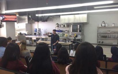 Seminar Marketing Start Up Business oleh Denis Hadi, Owner Hadi Kitchen
